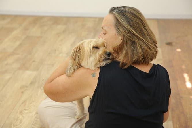 מירב מדברים עם כלבים